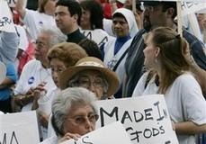 <!--:es-->Protestan en Houston por Ley Migratoria!<!--:-->