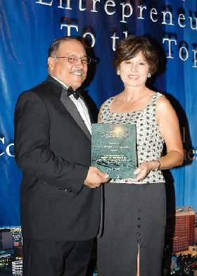<!--:es-->GM Receives Top TAMACC Business Award at 31st Annual Convention & Business Expo<!--:-->