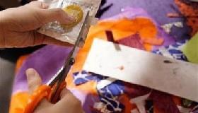 <!--:es-->Teens often skip condoms, regardless of partner<!--:-->