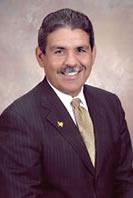 <!--:es-->Michael Hinojosa: Hombre de Visión!<!--:-->
