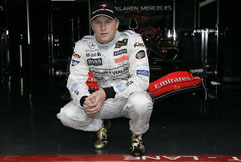 <!--:es-->Johnnie Walker and Team McLaren Mercedes driver Kimi Raikkonen celebrate milestones at the Hungarian Grand Prix<!--:-->