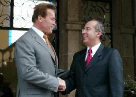 "<!--:es-->Lack of immigration reform ""crazy"": Schwarzenegger<!--:-->"