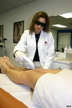 <!--:es-->Laser Hair Removal: The New Razor?<!--:-->