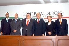 <!--:es-->Presenta Calderón Gabinete económico<!--:-->