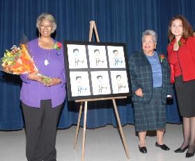 <!--:es-->Dallas ISD dedica la Primaria Celestino Mauricio Soto Jr en honor a un antiguo voluntario<!--:-->