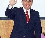 <!--:es-->Migración NO es prioridad para Calderón. Se aleja de política foxista!<!--:-->
