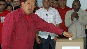 <!--:es-->Reeligen a Chávez,  Gobernará Venezuela hasta el 2013<!--:-->