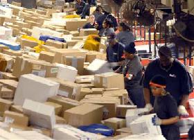 <!--:es-->FedEx hub traffics in holiday chaos<!--:-->