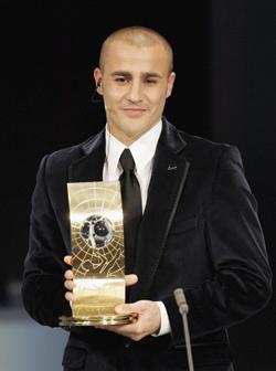 <!--:es-->Cannavaro Mejor Jugador de la FIFA 2006 . . . Superó a Zidane y a Ronaldinho<!--:-->