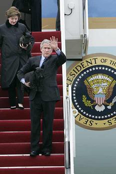 <!--:es-->Advierten a Bush en política para Iraq<!--:-->