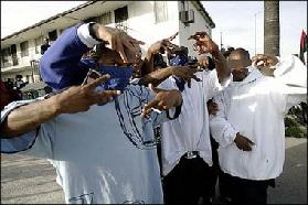 <!--:es-->Interracial gang violence rises in Los Angeles as crime falls<!--:-->