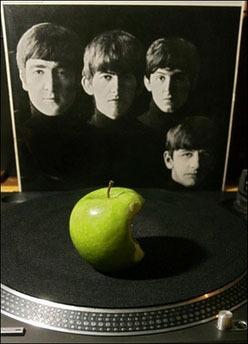 <!--:es-->Let it be: Apple, Beatles settle trademark dispute<!--:-->