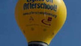 <!--:es-->Dallas ISD's Harry Stone Montessori School Launches National Afterschool Traveling Light Bulb Tour<!--:-->
