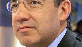 <!--:es-->Le refresca Calderón a Chávez&#8230; memoria<!--:-->