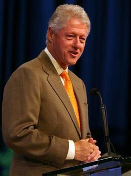 <!--:es-->Former President Clinton Says Iraq War 'Big Mistake'<!--:-->