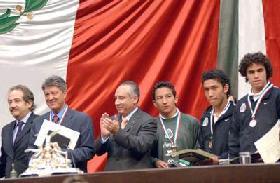<!--:es-->Recibe Aguirre Premio Nacional del Deporte!<!--:-->