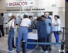 <!--:es-->Supervisa Presidente Vicente Fox el Programa Paisano 2005!<!--:-->