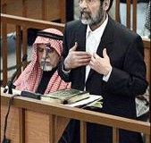 <!--:es-->Saddam, back in court, accuses US of torture<!--:-->