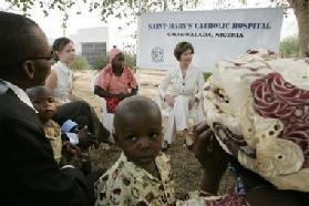 <!--:es-->Laura Bush affirms Nigeria AIDS support<!--:-->