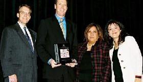 <!--:es-->GDHCC Announces the 2005 &#8220;Unidos Award&#8221; Winners<!--:-->