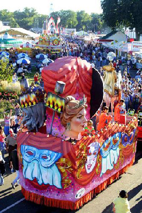 <!--:es-->Renace carnaval en Nueva Orleans<!--:-->
