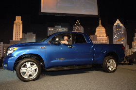 <!--:es-->Toyota Stages Texas debut of all New Tundra<!--:-->
