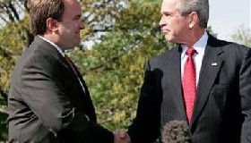<!--:es-->Bush press secretary quits, Rove ends policy role<!--:-->