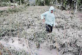<!--:es-->Hace erupción volcán Merapi en Indonesia<!--:-->