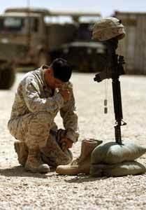 <!--:es-->Marines near Iraqi-Syrian border mourn loss of three of their own<!--:-->