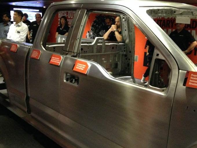 2015 Ford F150 Totalmente Revolucionaria embarca una nueva jornada ...