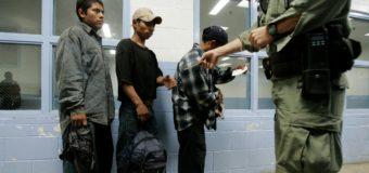 Condenan imposición de cuotas de casos a resolver a los jueces de inmigración