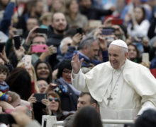 Pope admits 'serious errors' in situation of Chilean bishop accused of cover up