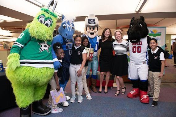 Mayor's Summer Reading Challenge kicks off with help from Dallas ISD students