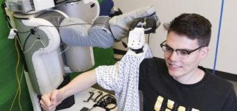 ¿Dejarías que un robot te vistiera? No es una nueva tecnología para vagos!