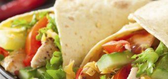 Comida mexicana para niños en Vacaciones:  Fajitas de pollo.
