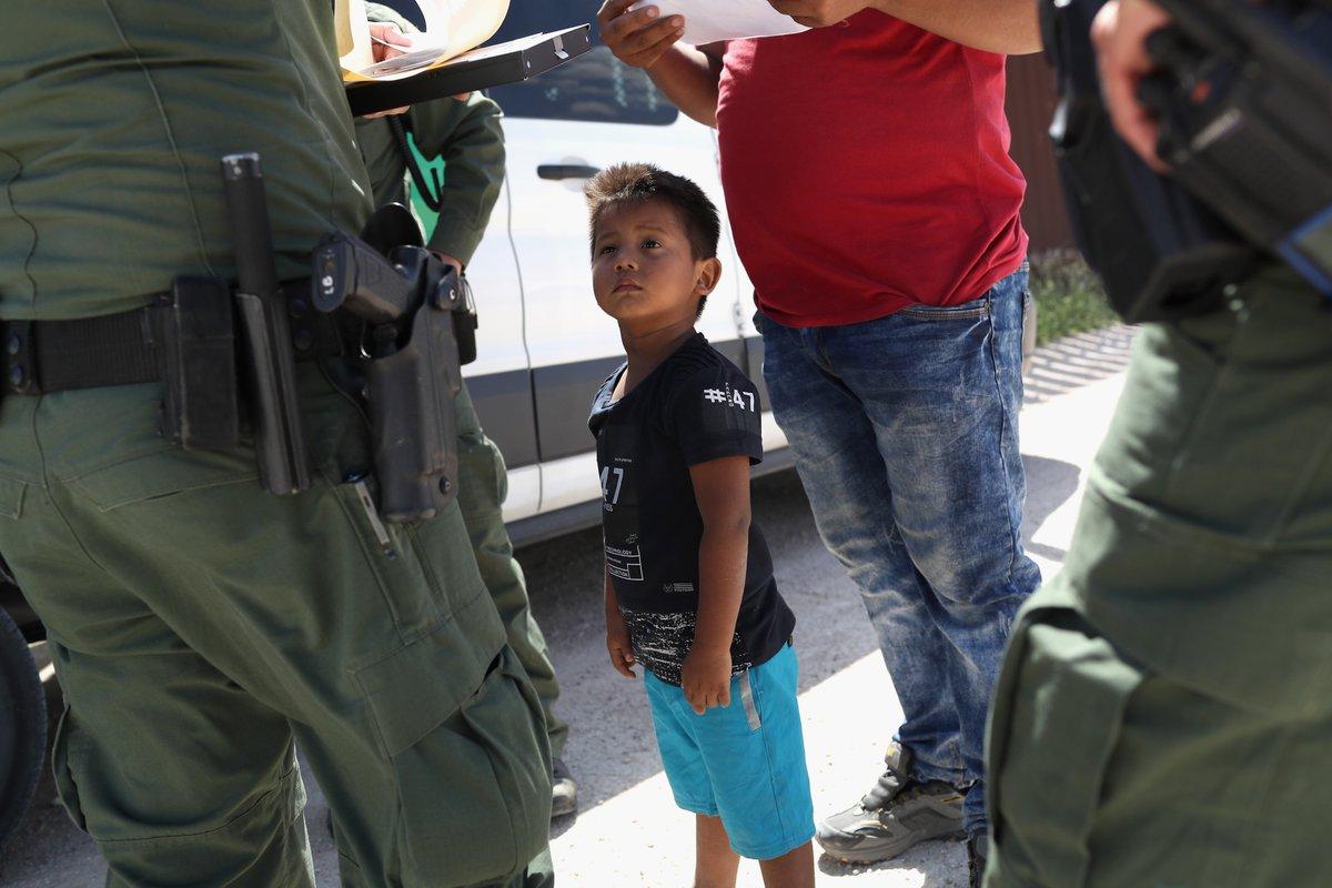Dreamers sin ciudadanía y más deportaciones:  este es el plan migratorio que sí firmaría Trump