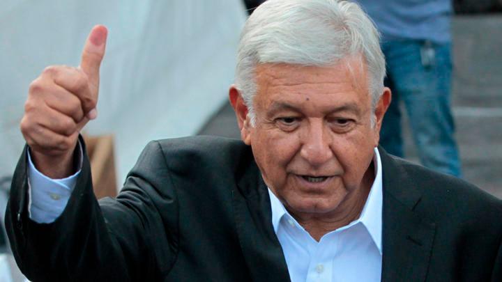 """Especialistas ven muy difícil que AMLO cambie """"radicalmente"""" el país"""