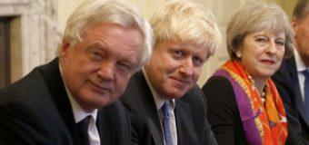 La dimisión de Boris Johnson, ministro de Exteriores británico, pone al gobierno contra las cuerdas