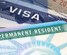 Donald Trump estudia negar la 'green card' o la ciudadanía  a inmigrantes legales que hayan usado programas sociales