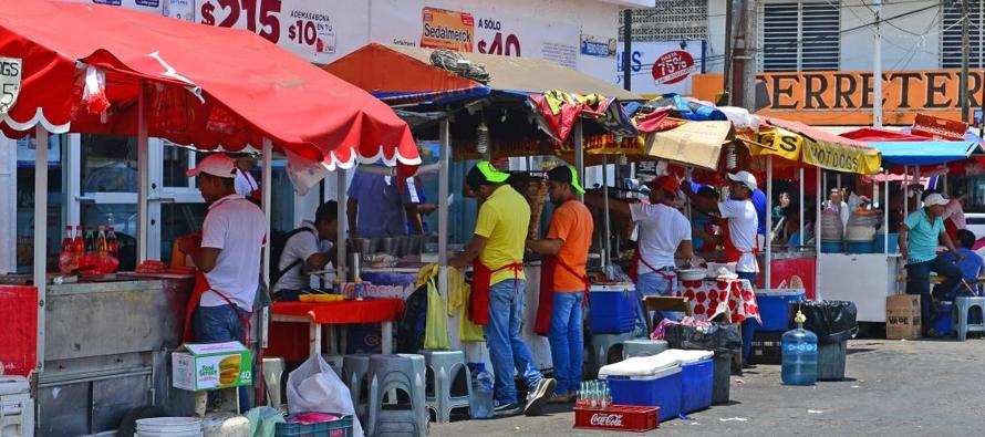 Más del 50 % de jóvenes, en empleos informales y con bajos salarios