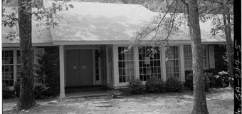 Former President Jimmy Carter lives in a $167,000  house and shops at the Dollar General