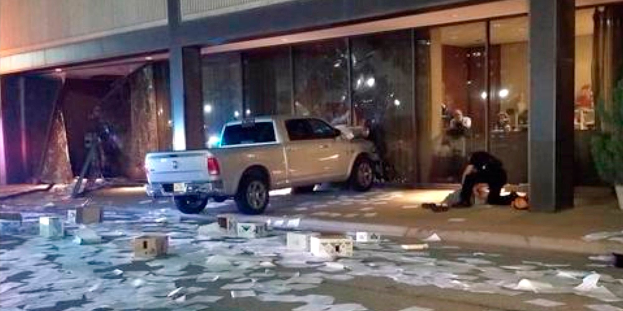 Man arrested after crashing truck into Dallas TV station