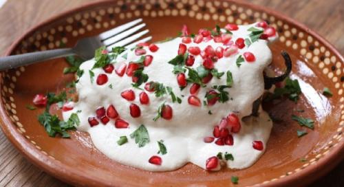Para celebrar las Fiestas Patrias no pueden faltar los Chiles en Nogada!