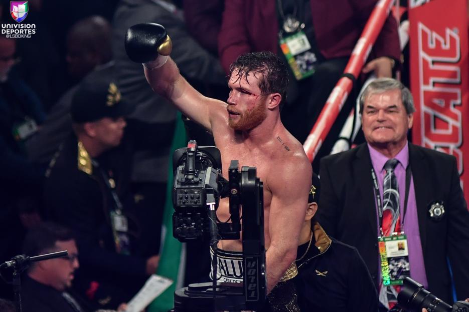 ¡'Canelo' es nuevo campeón mundial! El  mexicano venció en cerrada decisión a GGG