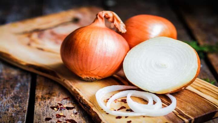 Con la Cebolla podemos hacer un remedio natural  que puede combatir casi todas tus enfermedades