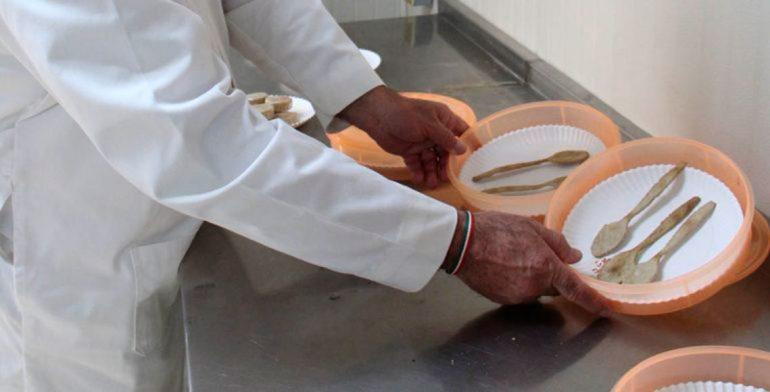 Científicos crean cubiertos comestibles