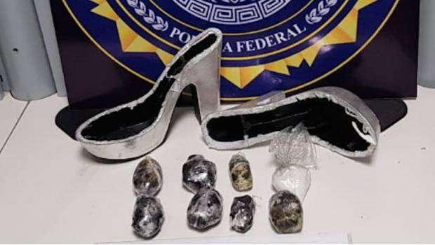 """Decomisan zapatillas de """"crystal"""" en Querétaro, y no son como  las de """"La Cenicienta!"""
