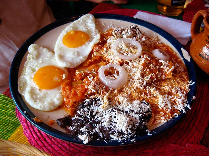BUENA MESA:   Chilaquiles Mexicanos, Muy fáciles de preparar en casa
