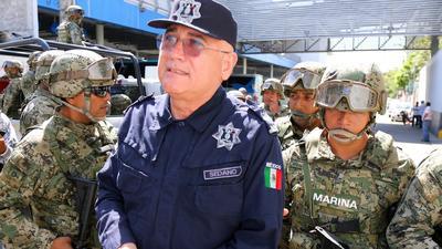 La Marina asume el control en las turísticas playas de Acapulco