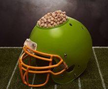 Tres Razones por las que los pistachos deben  acompañarte en esta temporada de fútbol americano